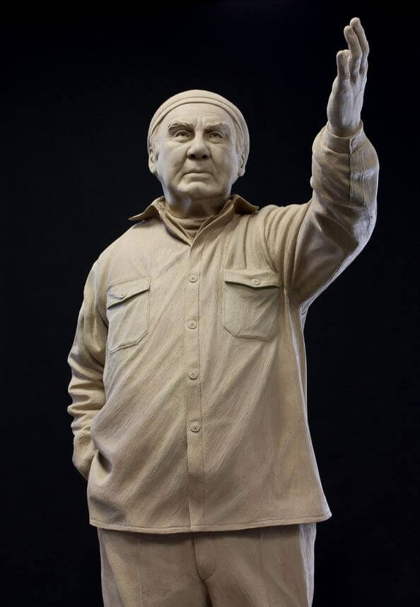 Picture of original clay sculpture of Paul Petzoldt by Benjamin Victor.